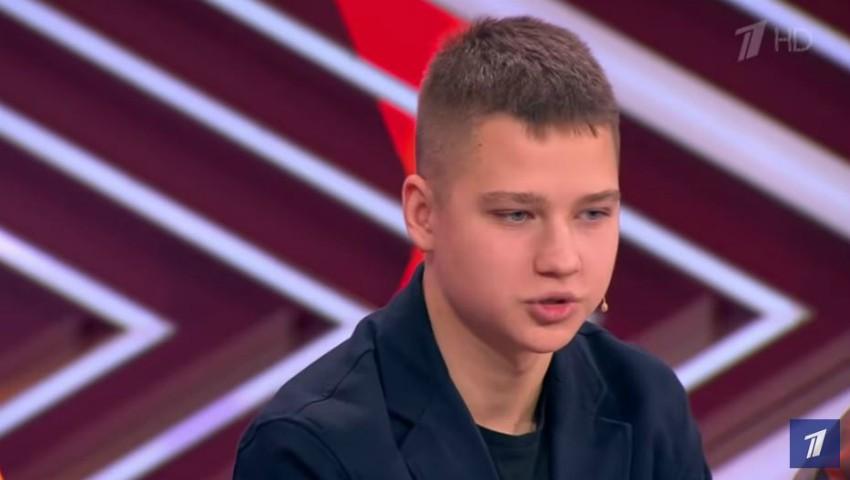 Foto: Un tânăr de 15 ani din Chișinău și-a cumpărat mașină din banii pe care i-a câștigat singur