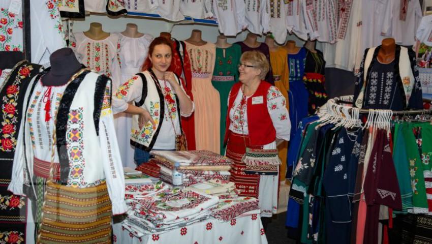 """Foto: Circa 450 producători autohtoni și-au expus mărfurile la expoziția ,,Fabricat în Moldova"""""""