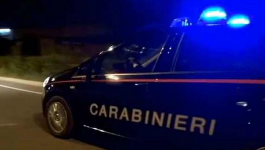 Noapte cu năbădăi în Italia: un moldovean și-a încuiat sora în mașină și a plecat la discotecă. Mama copiilor a sunat la poliție