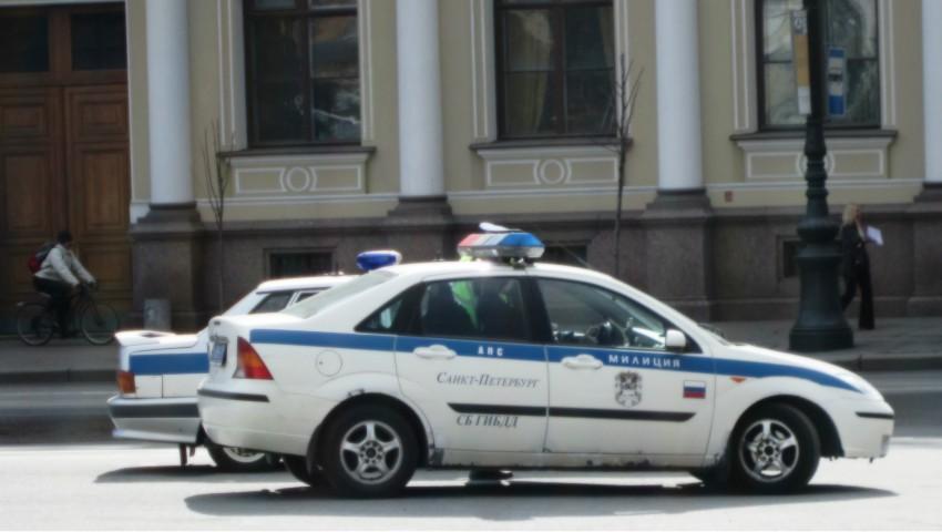 Foto: O moldoveancă din Rusia care a înregistrat 14 conaționali în apartamentul său, a fost reținută de poliție