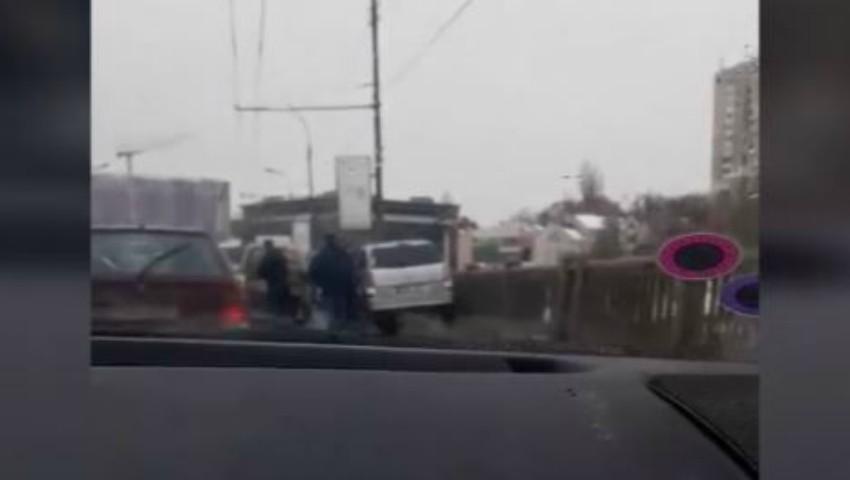 Accident violent pe strada Ismail. Un bărbat a făcut infarct în timp ce era la volan