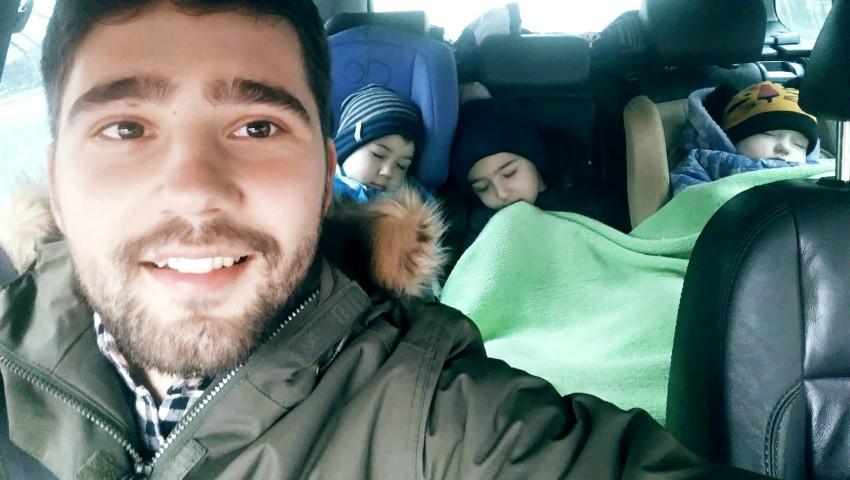 """Foto: Vloggerul Ion Andronache face dezvăluiri sincere: ,,De aproape jumătate de an stau acasă cu 3 copii"""""""