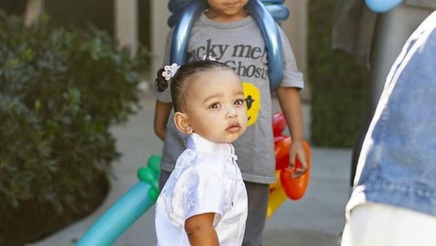 Foto: Fiica cea mică a lui Kim Kardashian a împlinit 1 an. Uite ce petrecere a avut!
