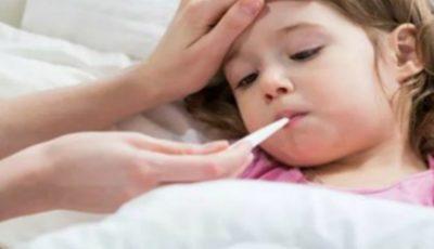 Un medic îi sfătuiește pe părinți: nu duceți copilul în colectivitate dacă prezintă febră, frisoane, tuse