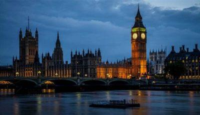 Marea Britanie părăsește UE fără acord? Cetățenii români vor avea nevoie de vize și de permise de muncă pentru a se angaja