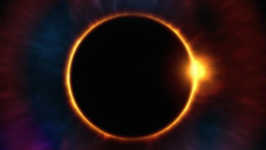 La noapte, urmărește o eclipsă totală de Lună – ultima care se va produce înainte de anul 2022