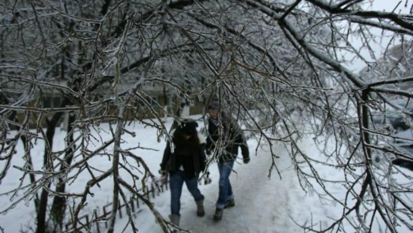 Ninsori și ploi înghețate săptămâna viitoare! Află cum va fi vremea
