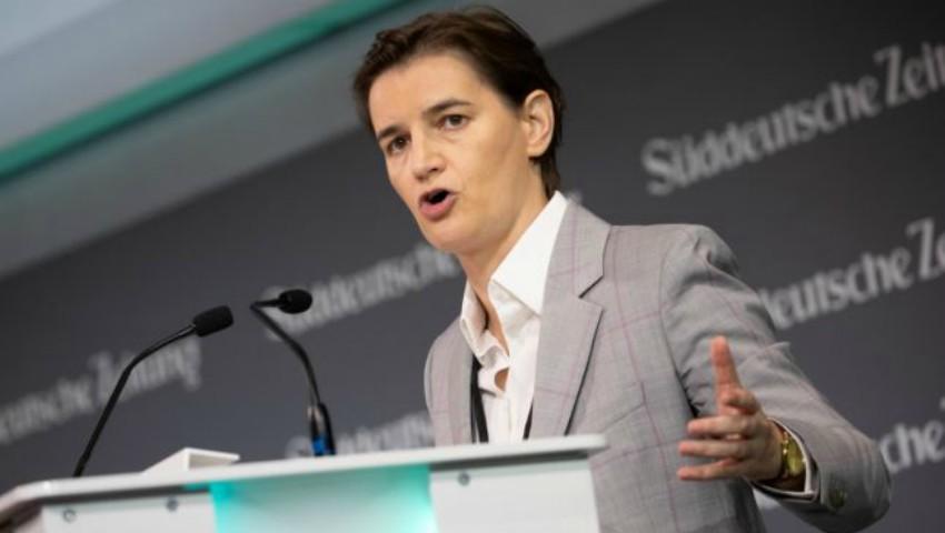 Foto: Serbia: Partenera prim-ministrului Ana Brnabic a născut un băiat