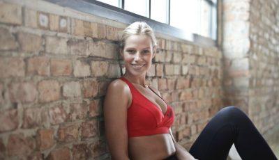 Exerciții eficiente pentru picioare sexy și un abdomen ferm