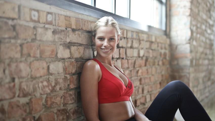 Foto: Exerciții eficiente pentru picioare sexy și un abdomen ferm