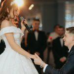 Foto: O interpretă de la noi s-a căsătorit. Imagini de la cununia civilă!