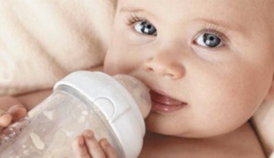 Doi părinți vegani şi-au înfometat copilul de cinci luni. Cu ce au înlocuit laptele praf?