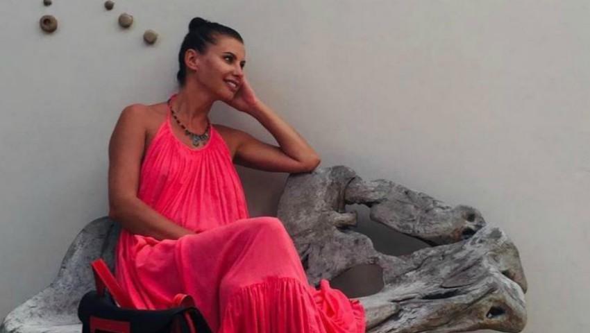 Foto: Natalia Barbu, într-o poză alături de Victoraș. Ce mare a crescut fiul artistei!