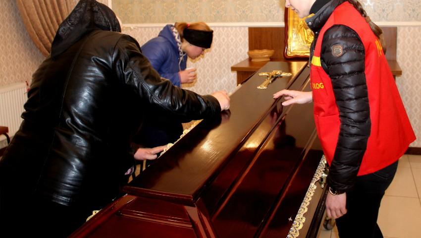 Foto: Lacrimi și durere. Moldovenii decedați în accidentul din Ucraina au fost aduși acasă