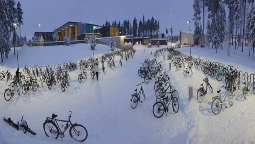 Foto: Așa vin copiii din Finlanda la școală, cu bicicletele