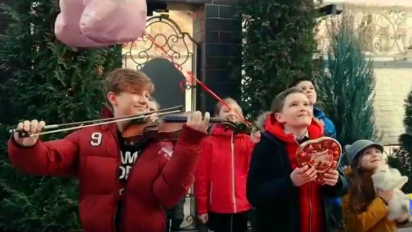 Foto: Catherine de Caraman și Cătălin Advahov au pregătit un cadou deosebit de Ziua Îndrăgostiților!