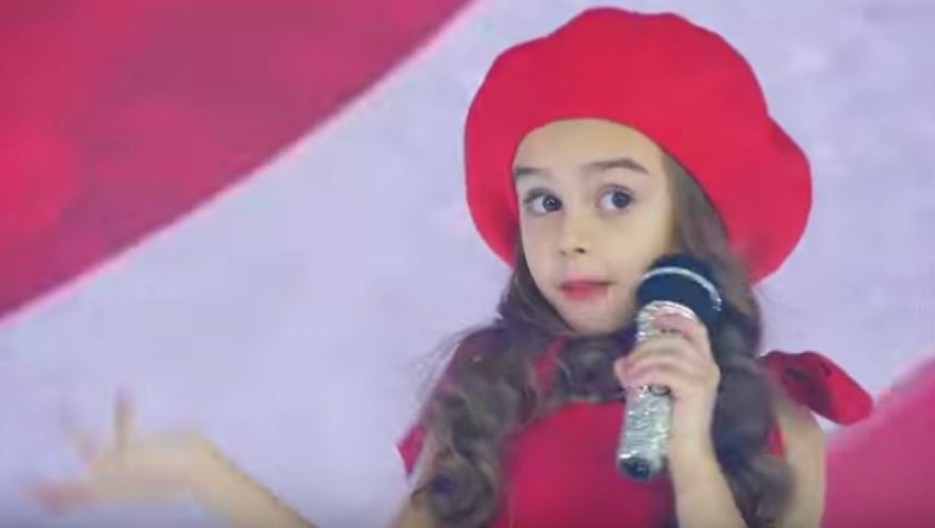 "Foto: Kamelia Melnic cântă piesa ,,Te las cu inima"" a Cleopatrei Stratan. Video!"