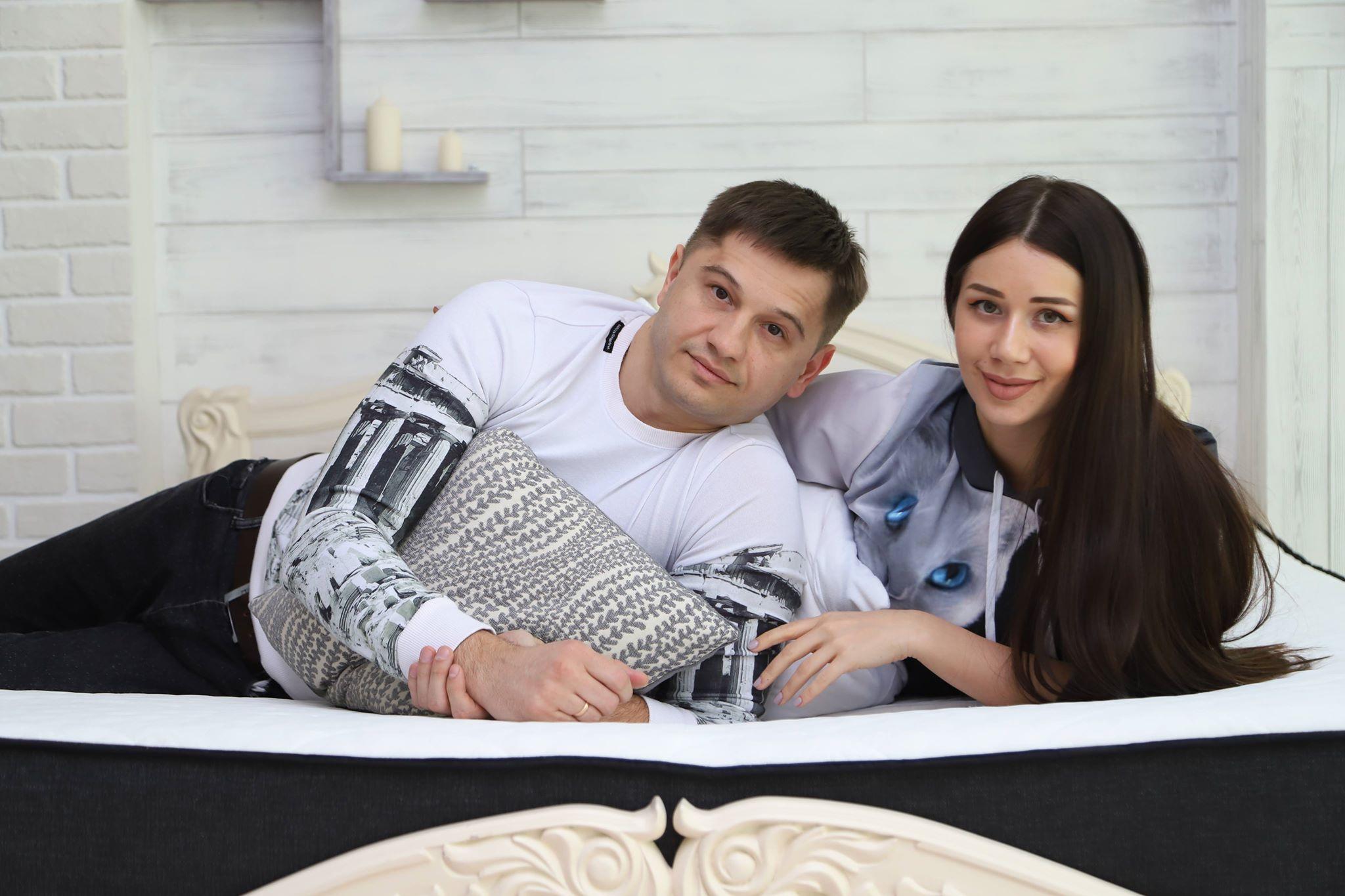 Foto: Sergiu Covalschi și Irina Tarasiuc, despre diferența de vârstă în cuplu și cum minus cu minus devine plus