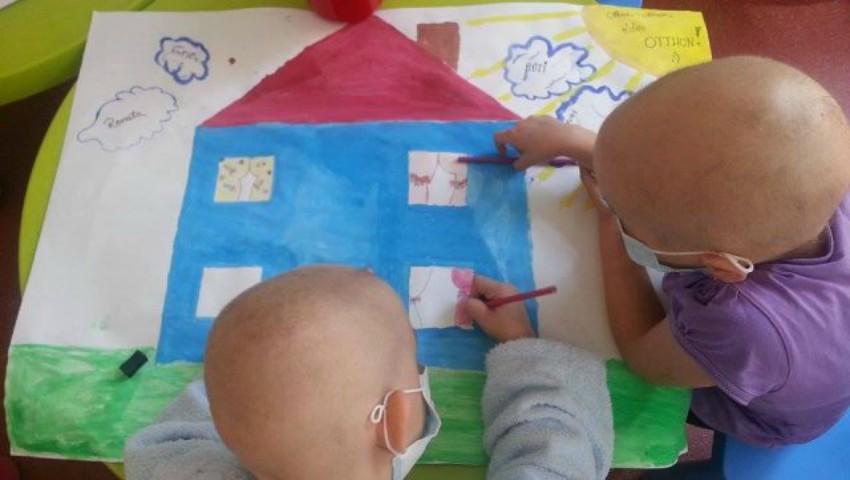 Foto: Donează o jucărie copiilor internați în secţia de Oncohematologie