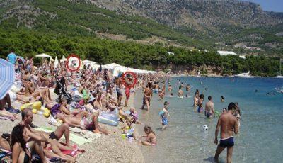 Amenzi de la 300 de euro. Pe plajele din Italia a fost interzis să faci asta!