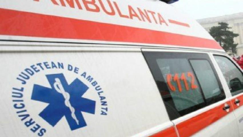 Un copil de 12 ani se află în stare gravă, după ce a căzut de pe o casă nefinisată în parcul Valea Trandafirilor