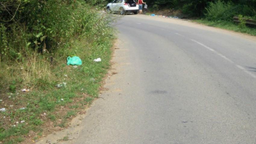 Foto: Amenzi usturătoare pentru cei care vor arunca gunoiul pe marginea drumului