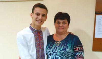 Cu drag de mama: Gabriel Nebunu, interpret de muzică populară