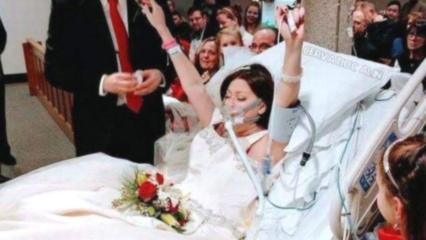 Foto: O femeie care suferea de cancer a îmbrăcat rochia de mireasă pe patul de spital