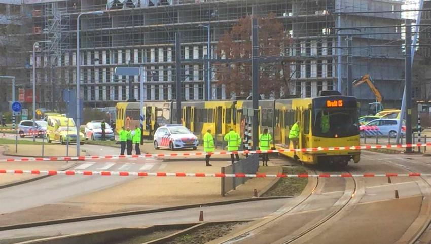 Foto: Atac armat în Olanda. Un individ a deschis focul asupra unui tramvai plin cu pasageri