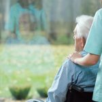 Foto: O moldoveancă a primit 200.000 de euro moștenire de la bătrânul italian pe care îl îngrijea