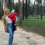 Foto: Natalia Gordienko a publicat prima imagine clară cu chipul fiului său. Micuțul îi seamănă leit mamei sale