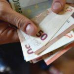 Foto: Un pensionar italian a fost înșelat de o româncă. Cum l-a făcut să-i dea 20.000 de euro