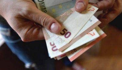 Un pensionar italian a fost înșelat de o româncă. Cum l-a făcut să-i dea 20.000 de euro