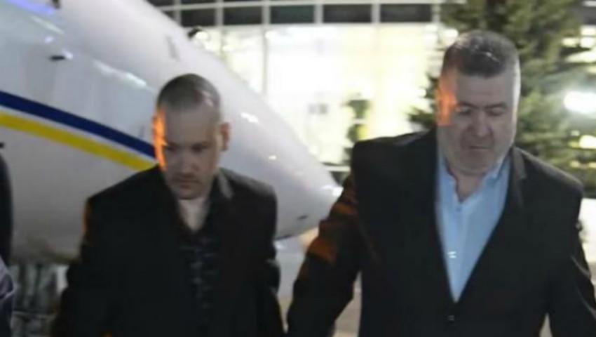 Foto: Cei doi piloți moldoveni care au fost eliberați după trei ani de captivitate în Afganistan, au ajuns acasă