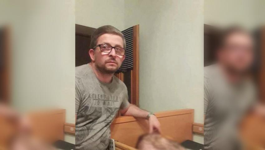 Foto: Un bărbat din Chișinău îi îndeamnă pe deputați să doneze un salariu pentru fiica sa