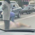 Foto: Video. Accident violent în capitală. O tânără a fost lovită în timp ce traversa strada neregulamentar