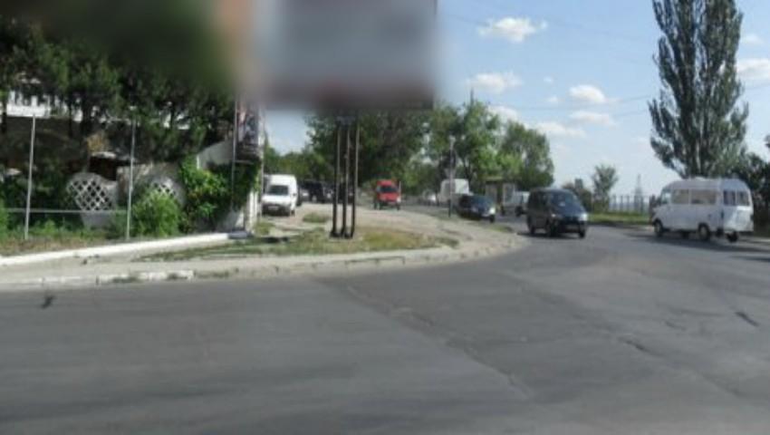 Foto: O femeie a fost găsită fără suflare pe strada Grenoble din Chișinău