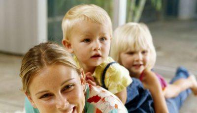 Femeile care au mai mulți copii îmbătrânesc mai greu