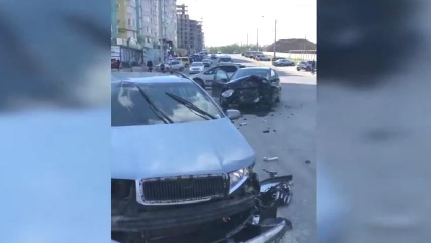 Foto: Accident grav în Capitală. Trei copii au ajuns la spital