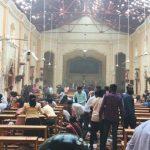 Foto: Explozii la biserici în Sri Lanka în timpul sărbătorii de Paşte: Cel puţin 100 de persoane ucise şi alte peste 200 rănite