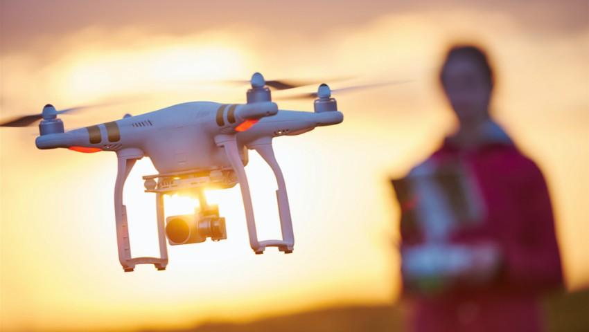 Foto: Folosirea dronelor, interzisă în Republica Moldova! Vezi ce prevede legislația pentru a putea lansa o dronă în aer