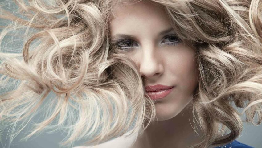 Foto: Produsele pentru păr care îți asigură o podoabă capilară sănătoasă și strălucitoare!