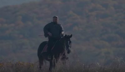 """,,Zboară șoimul"""" – interpretul Vali Boghean a lansat o piesă și un videoclip nou!"""