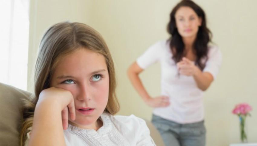 """Foto: Medic psihiatru, despre copiii de azi: """"Am plecat de la a nu avea voie să le dăm o palmă la fund și am ajuns la a nu avea voie să le zicem nimic"""""""