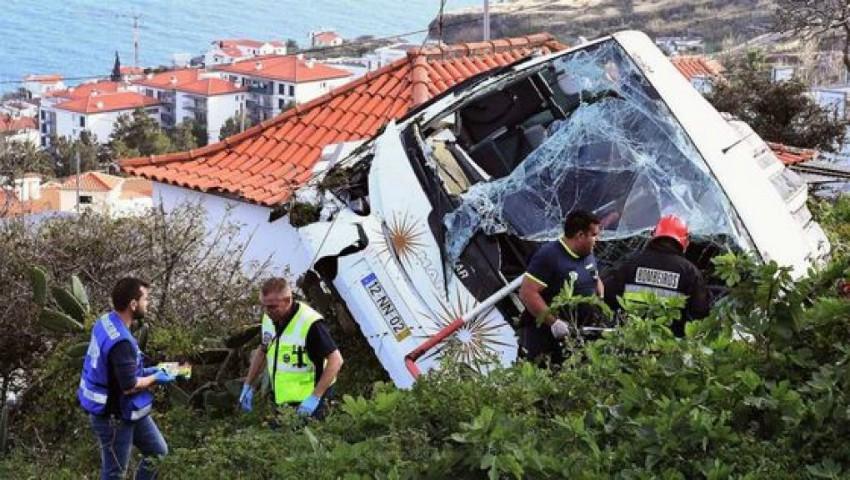Foto: Tragedia în Portugalia. Un autocar a căzut într-o prăpastie: 29 de oameni și-au pierdut viața