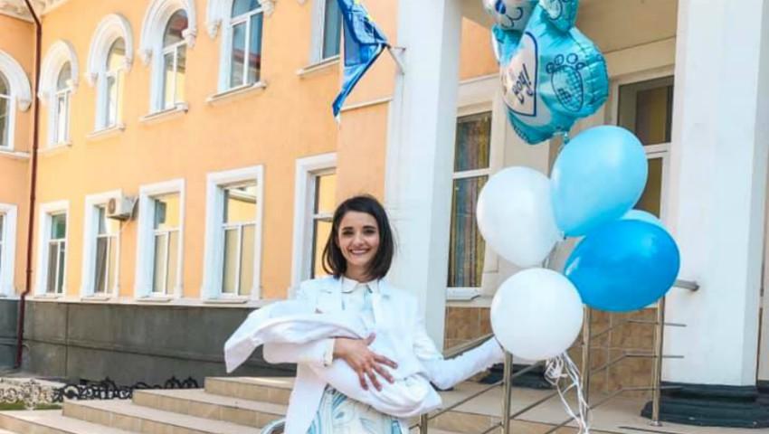 Foto: Bucurie mare în familia Liliei Ojovan. A venit pe lume primul nepoțel!