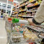 Foto: Într-un supermarket din capitală, cumpărătorii pot să scaneze singuri produsele și să achite cu cardul