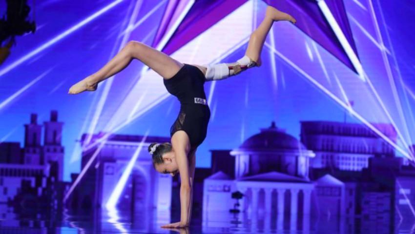 """Foto: O tânără gimnastă care a impresionat publicul la ,,Românii au Talent"""", s-a stins în urma cancerului"""