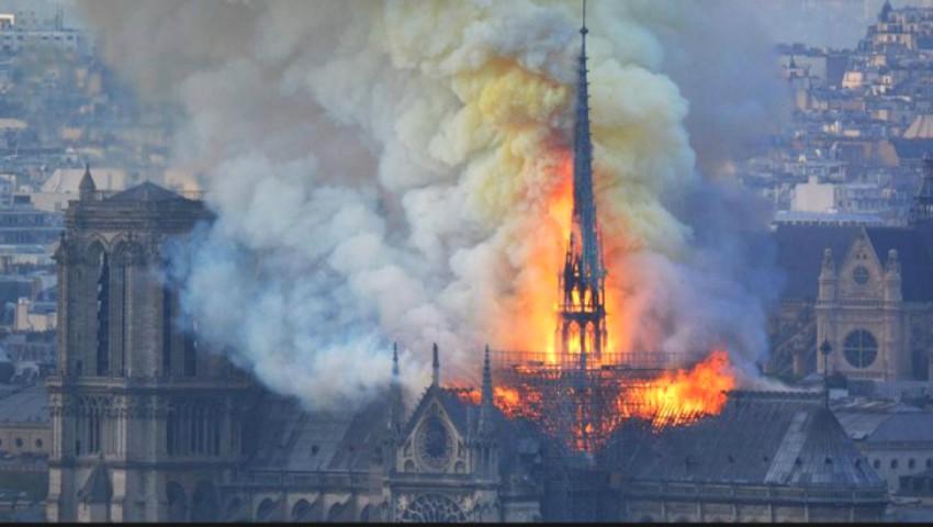 Foto: Care este cauza incendiului devastator de la Catedrala Notre-Dame