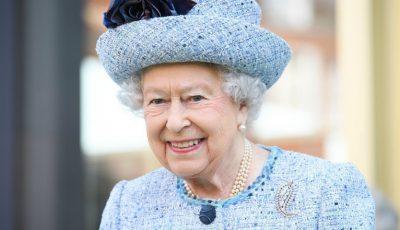 Regina Elisabeta a II-a a Marii Britanii împlineşte astăzi 93 de ani